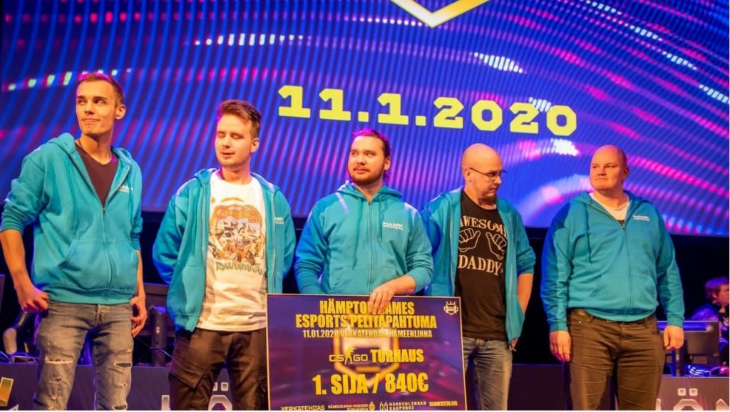 Hämton gamesin 2020 voittajajoukkoe HAMK-gaming